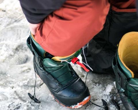 Solomon-Charm-Ski-Boots-on-BridgeTownHerald